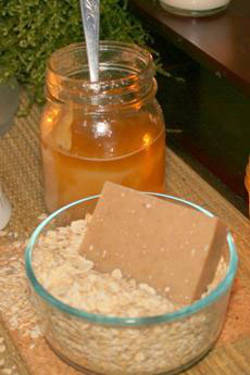 Oatmeal & Honey Goat's Milk Soap2